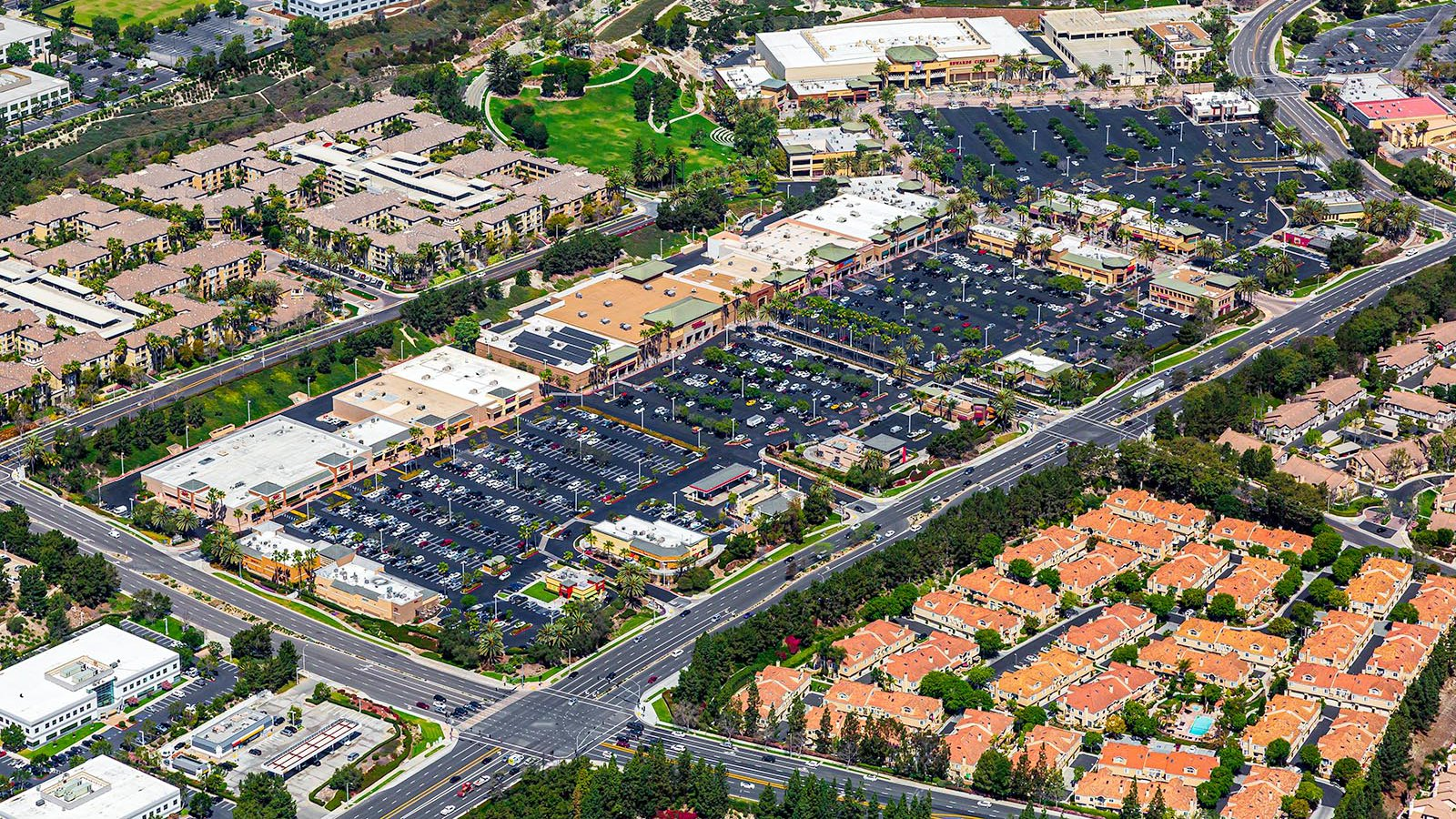 Commercial Real Estate photo of the Aliso Viejo Towne Center Shopping Center