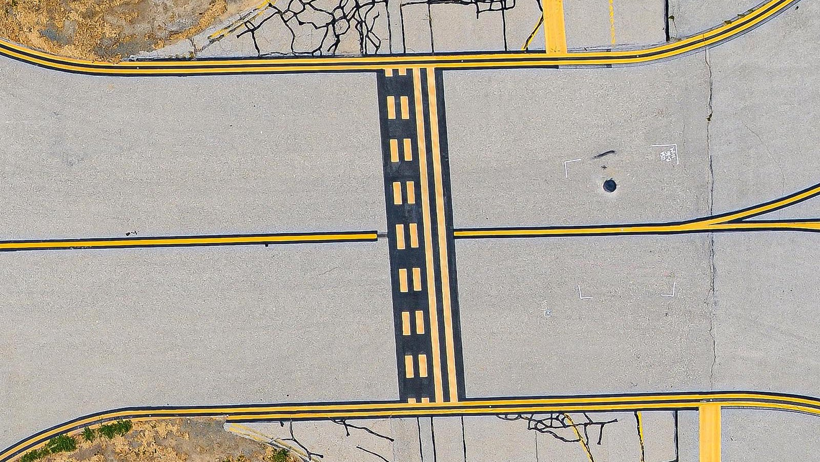 Mapping high-resolution orthophoto screen capture of Van Nuys Airport (KVNY) in Van Nuys, California