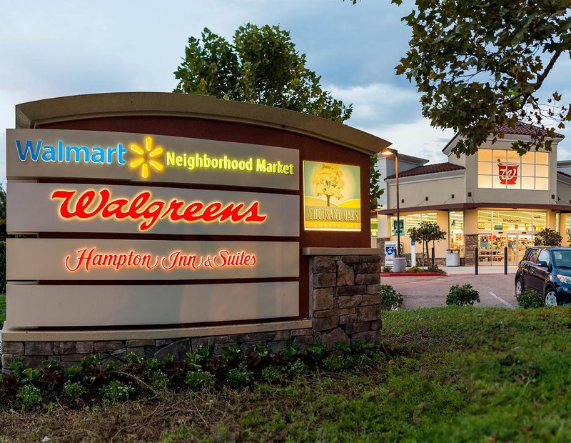 Exterior Architectural dusk photo of a Walgreens in Thousand Oaks, California
