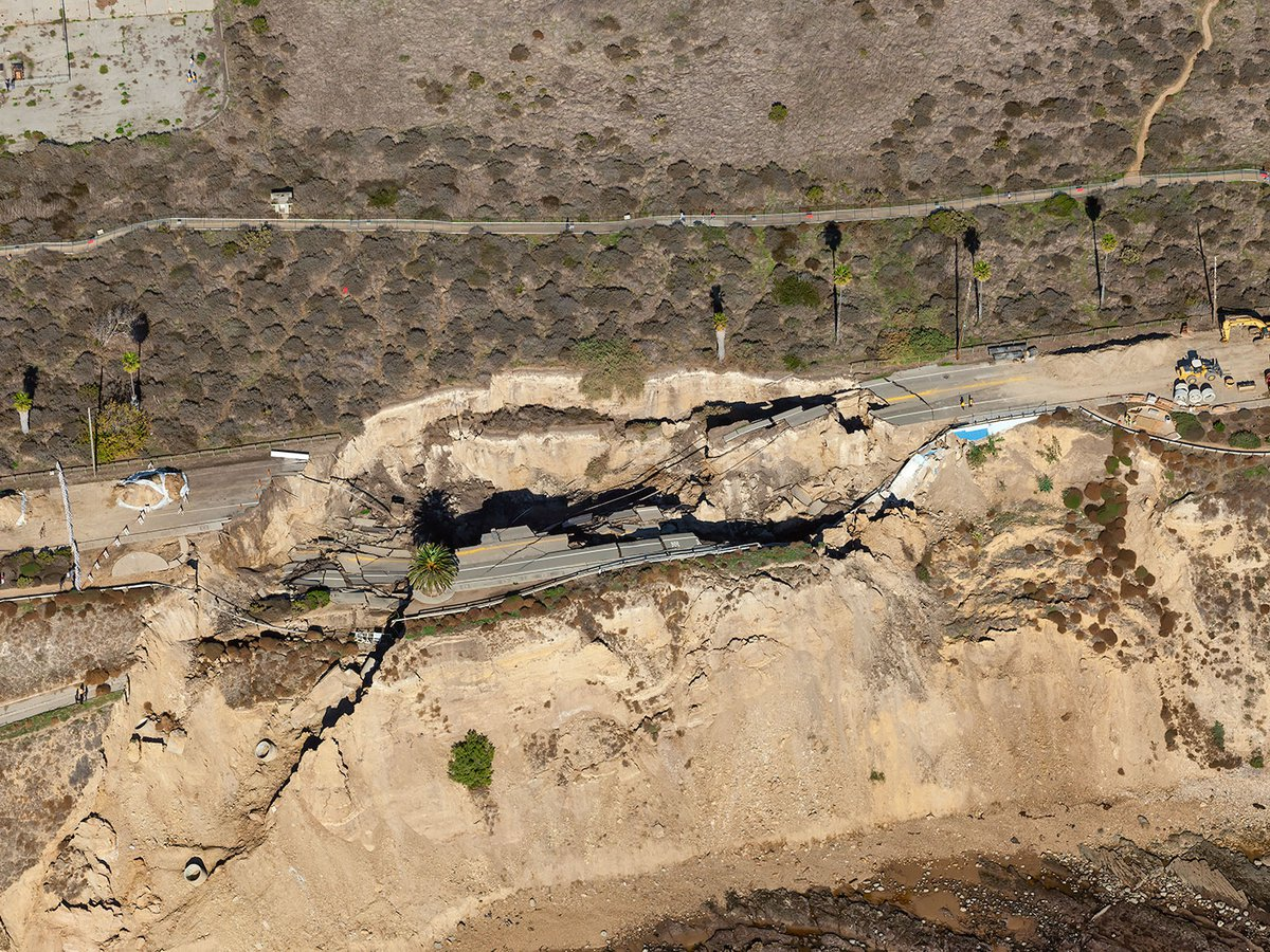 Blog close-up image of the San Pedro Landslide, where the main coastal road Paseo del Mar fell into the ocean